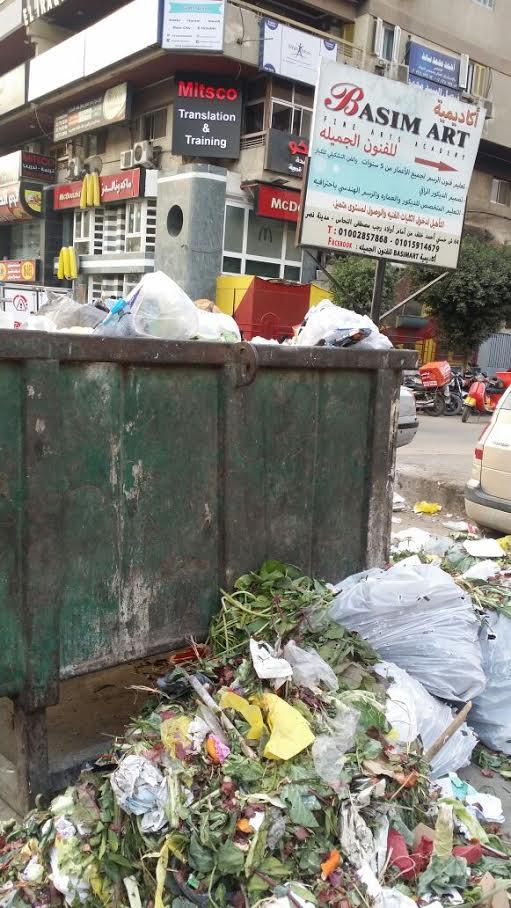أهالي «مدينة نصر» يشكون انتشار القمامة بالشوارع (صور)