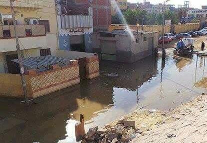 أسوان | عطل بمحطة صرف يُغرق 10 منازل في «بركة الدماس» (صور)