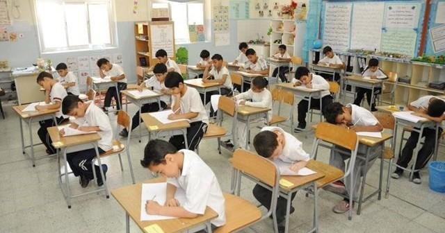 طلاب مدرسة جوهر للغات بالوراق لم يتسلموا بعض كتبهم الدراسية