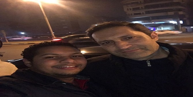 بالصور.. ظهور علاء مبارك بين المحتفلين بفوز منتخب مصر قرب قصر الاتحادية
