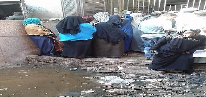 طفح الصرف أمام سجل مدني الواسطى في بني سويف (صور)
