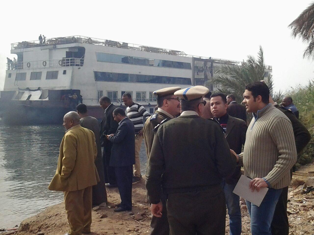 إخلاء 73 سائحًا من باخرة سياحية فى أسوان بعد تصاعد الأدخنة من غرفة المحركات