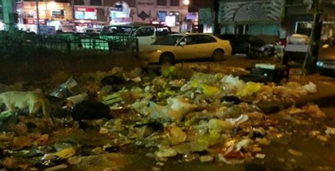 تفاقم أزمة القمامة بميدان النمسا في السويس.. والأهالي: أين مسؤولي الحي؟