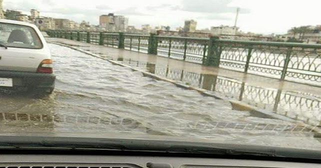 صورة | الأمطار تغرق شوارع في دمياط