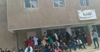 وقفة احتجاجية للعاملين بالصحة النفسية للمطالبة بصرف كادر التمريض (صور)