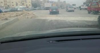 سكان المقطم يشكون الزحام اليومي عند مدخل شارع 9 وحي الأسمرات.. صور