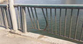 كسور برصيف كوبري «أبوالعلا»: خطر يهدد المواطنين (صور)