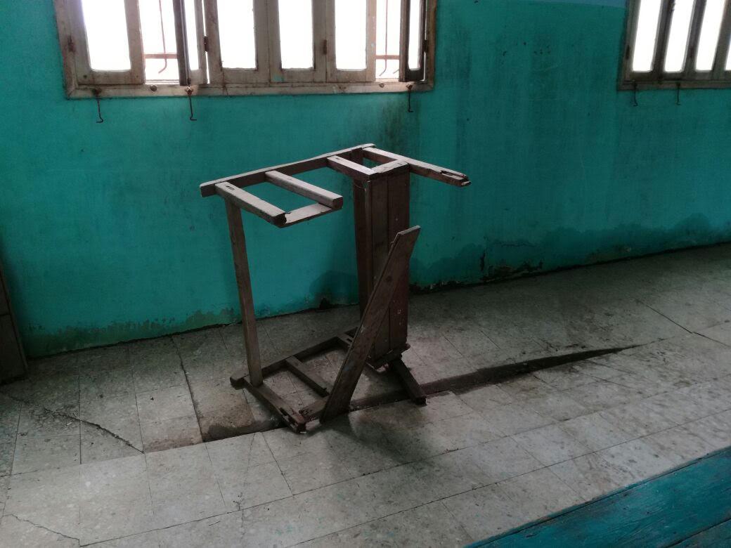 أهالي «قرية» مشيرف يطالبون «الطيب» بترميم معهد الفتيات الأزهري: هيقع على الطلاب (صور)