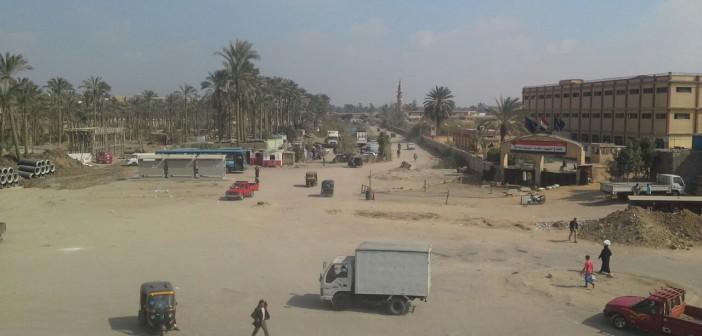 سكان شارع مؤسسة الزكاة بالمرج يطالبون برصفه (صور)