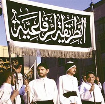 انطلاق موكب الطريق الرفاعية من السيدة زينب إلى مسجد الرفاعي