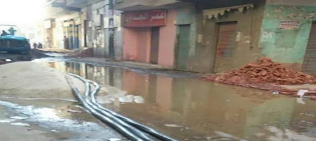 غرق شوارع «أولاد علي» بسوهاج: أعمال صيانة كسرت مواسير المياه