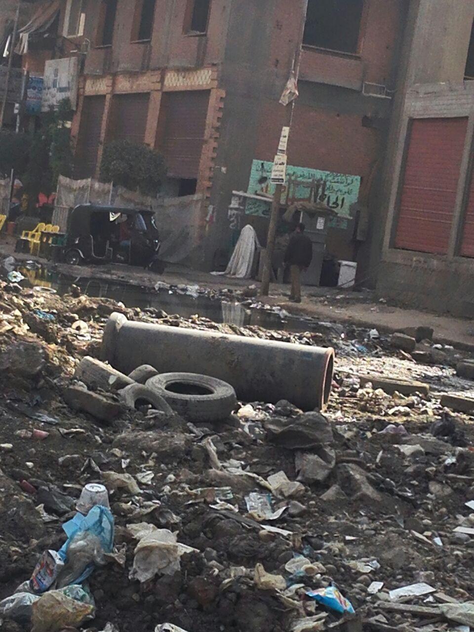 سكان شارع الشعراوي في شبرا الخيمة يطالبون بترميمه بعد أعمال حفر (صور)