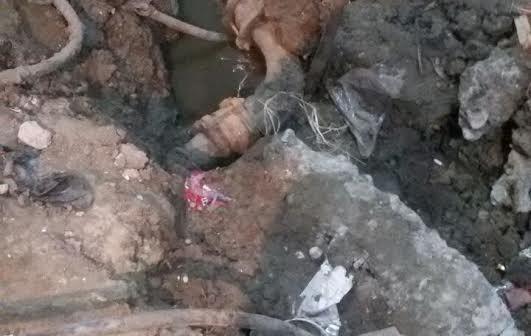 فيديو وصور.. سكان «البرادعة» يشكون تلوث المياه واختلاطها بـ«الصرف»