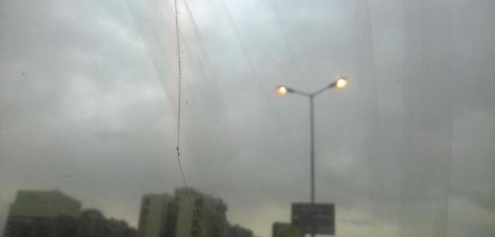 صورة.. إضاءة أعمدة إنارة الأوتوستراد صباحاً