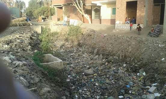 أهالي «صفط ميدوم» ببني سويف يطالبون بتنظيف ترعة القرية
