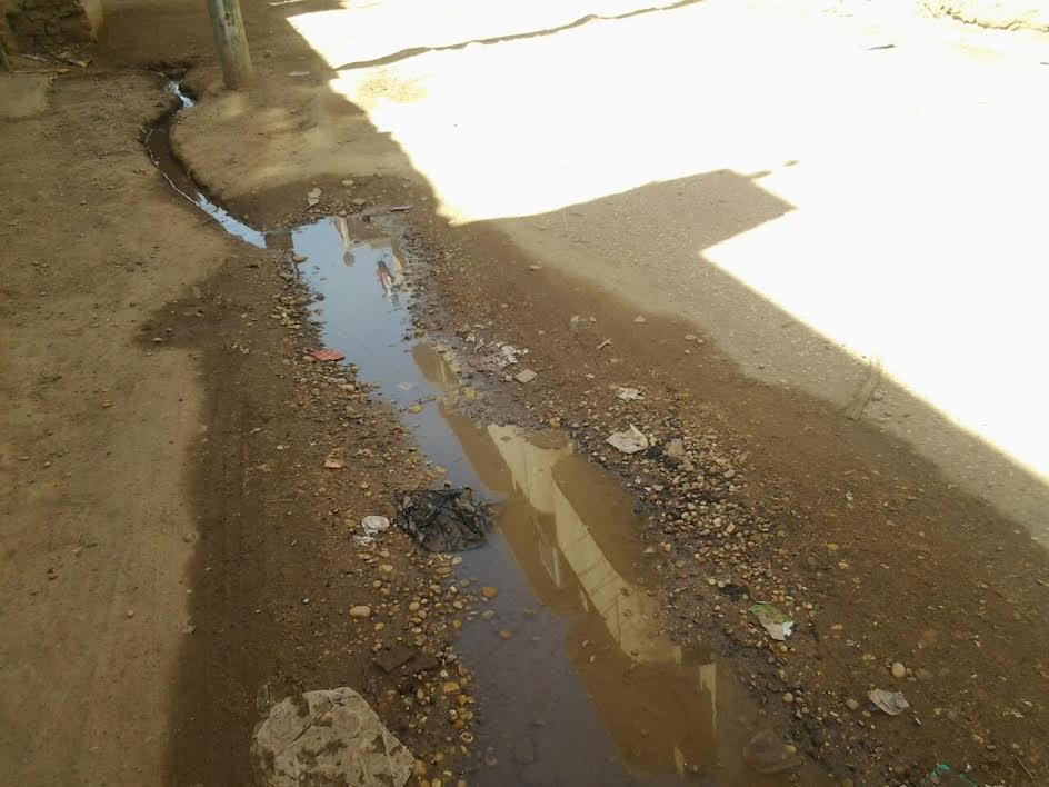 صور..أهالي «المهاجرين قبلي» يطالبون بإصلاح كسور مواسير المياه والصرف بالقرية