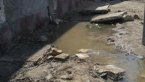انفجار ماسورة مياه في «أبوجندير» بالفيوم.. ومطالب بإصلاحها (صور)