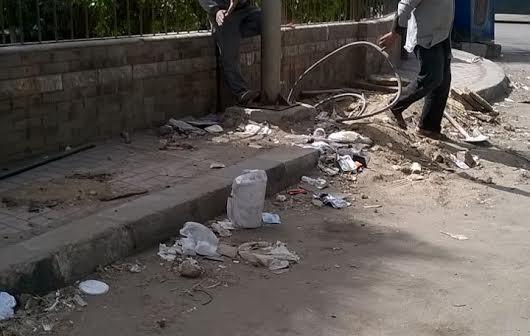 سكان حي الطلبة بالجيزة يطالبون بتغيير أعمدة الكهرباء القديمة (صور)