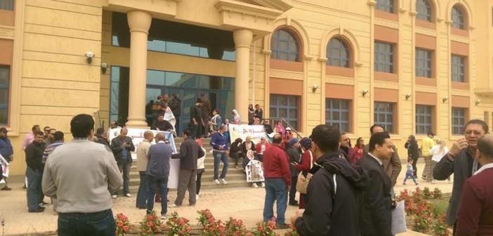 وقفة احتجاجية لسكان «مدينتي» بسبب الخدمات (صور)