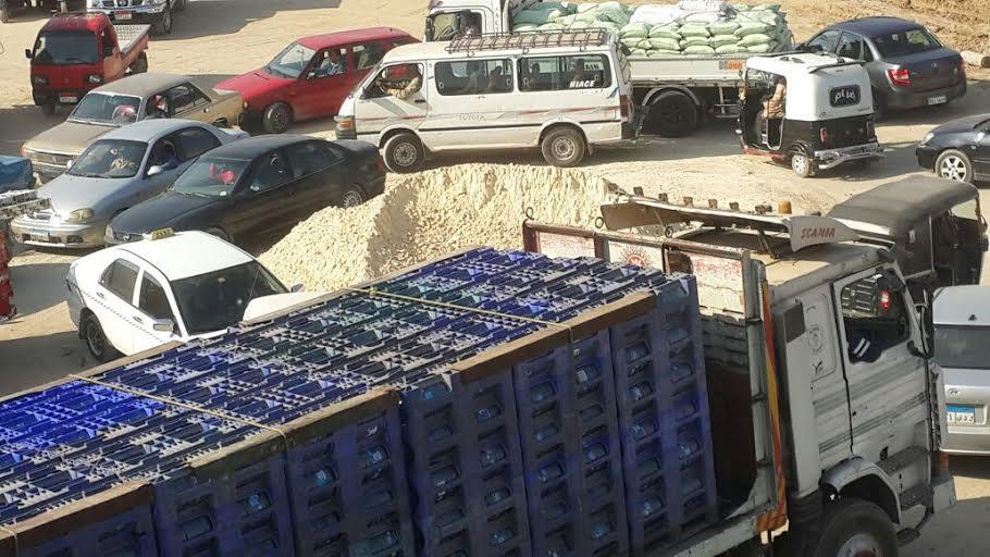 سكان «مؤسسة الزكاة» يشكون الزحام اليومي.. ومطالب بكشك مرور(صور)