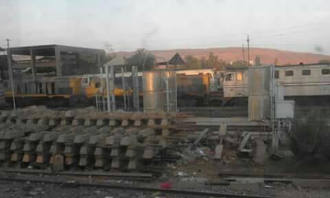 مواطن يدعو لإعادة استخدام حديد السكك الحديدية المتهالك
