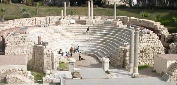 مطالب بترميم سور المسرح الروماني.. وتسهيل وصول السائحين إليه