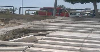 سكان الحي السادس بالعبور يطالبون بإصلاح سلم المشاة