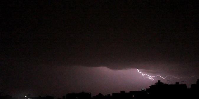 ▶️ فيديو.. هكذا كانت أجواء الليلة الماضية.. أمطار رعدية وبرق في سماء القاهرة