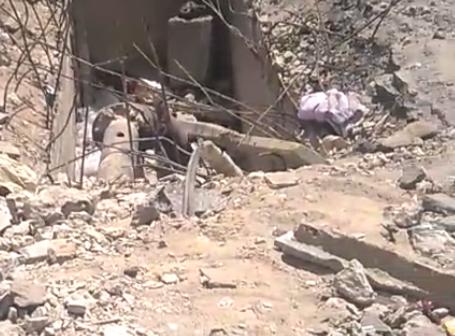 فيديو.. حفرة كبيرة تهدد حياة المواطنين بجوار مترو الملك الصالح
