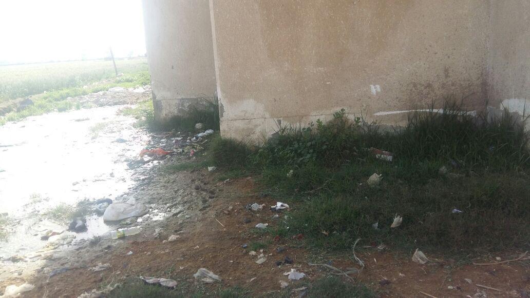 أهالي «أم عزام» بالإسماعيلية يطالبون بإصلاح شبكة الصرف الصحي