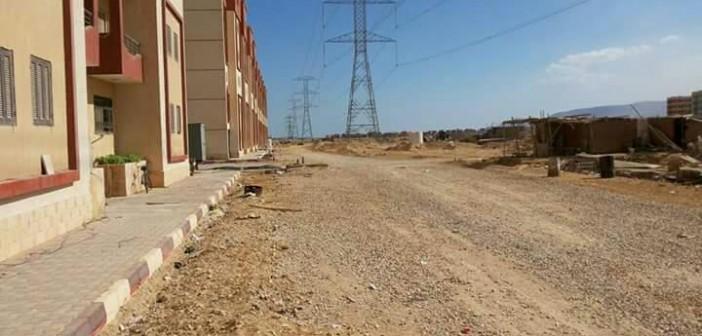 بالصور.. سكان «عدلي منصور» بالسويس يطالبون بحل مشكلة أبراج الضغط العالي