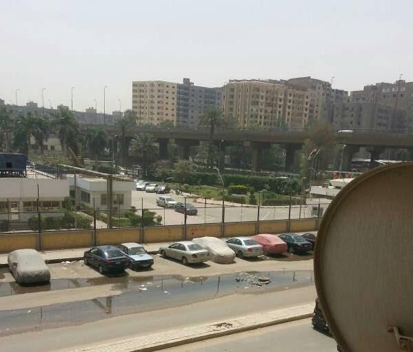استياء بين سكان «العروبة» بالهرم بسبب غرق الشارع في مياه الصرف الصحي (صور)