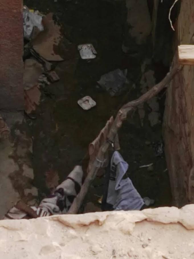«نزلة البطران» غارقة في مياه الصرف والأهالي يتهمون الحي بالإهمال (صور)