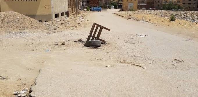 صور.. بلاعات مفتوحة في شوارع بالمقطم تهدد حياة المواطنين