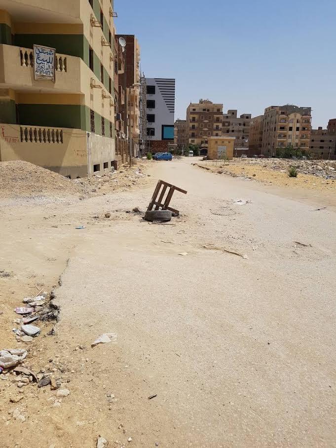صور.. بلاعات مفتوحة في شوارع «الهضبة الوسطى» تهدد حياة المواطنين