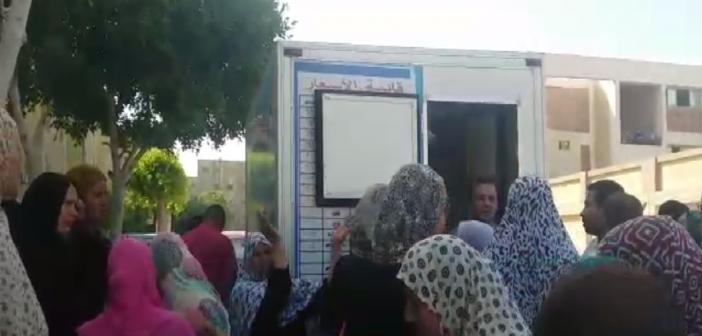 فيديو.. سكان «السلام» يشكون رفع أسعار اللحوم البرازيلية.. ويطردون سياراتها