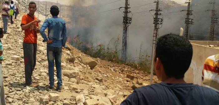 بالصور.. حريق قرب «كهرباء الريف» بأسوان.. وتصاعد سحب الدخان