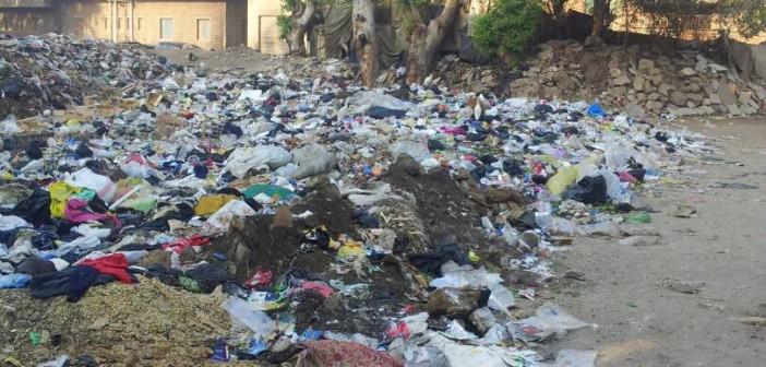 مطالب برفع تجمعات للقمامة من أمام أحد مساجد أبو زعبل
