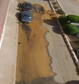 إصلاح ماسورة مياه بمدينة الشروق بعد انكسارها