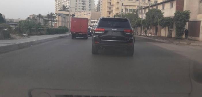 سيارة تتحرك بلا لوحات معدنية دون توقيفها بالإسكندرية