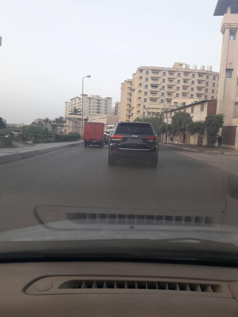 سيارة بلا لوحات معدنية دون توقيفها بالإسكندرية
