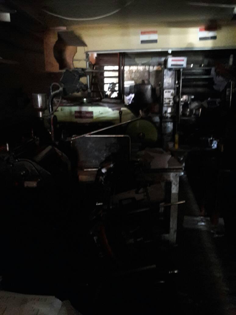 انقطاع الكهرباء في شارع حيوي بأسوان يثير غضب المواطنين