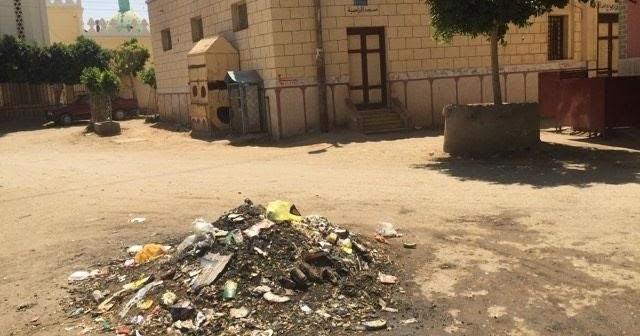 سوهاج ׀ سكان «المجابرة» يشكون انتشار القمامة بالشوارع..(صور)