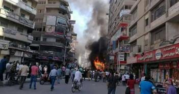 .. لحظة اندلاع حريق في إحدى محلات الوجبات السريعة في طنطا