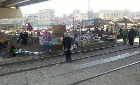 سكان في بنها يطالبون برفع إشغالات كباري الرياح التوفيقي (صور)