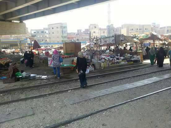 سكان في بنها يطالبون برفع إشغالات كباري الرياح التوفيقي