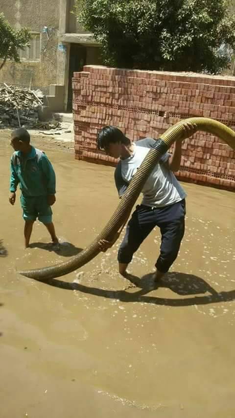انفجار خط ماسورة مياه يغرق شوارع «الرمالي» بالمنوفية