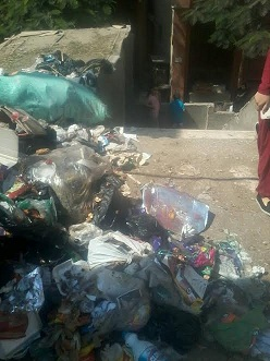تراكم القمامة في مناطق بدار السلام (صور)