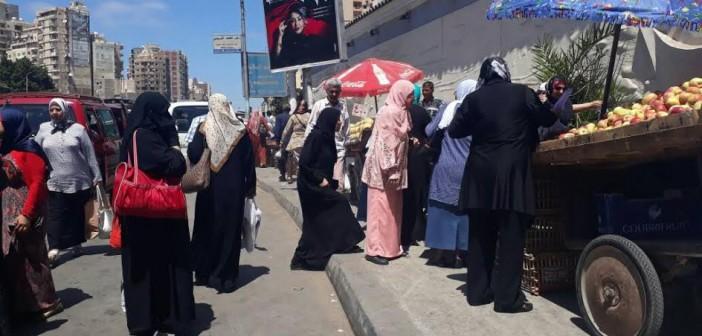 مواطنون يشكون الزحام اليومي على مزلقان فيكتوريا بالإسكندرية