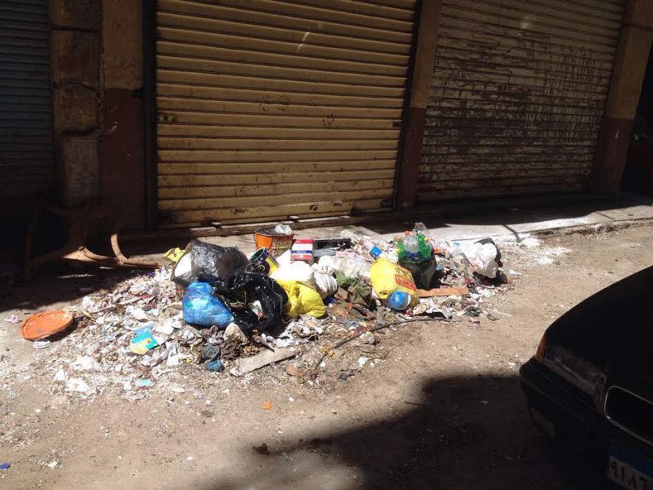 تجمعات القمامة تثير غضب أهالي «المنشية» بالإسكندرية(صورة)